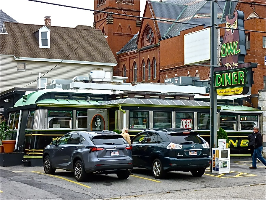 Four Sisters Own Diner in Lowell, massachusetts