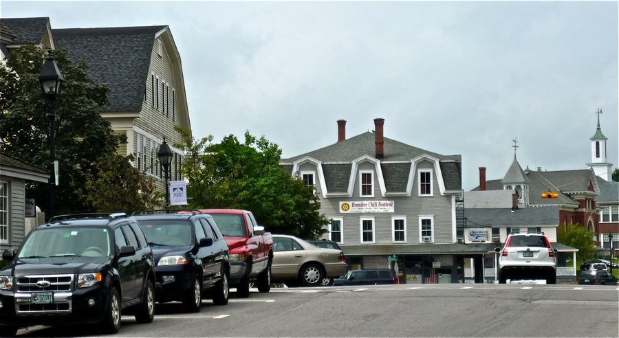 Downtown Henniker NH, a great New England small town