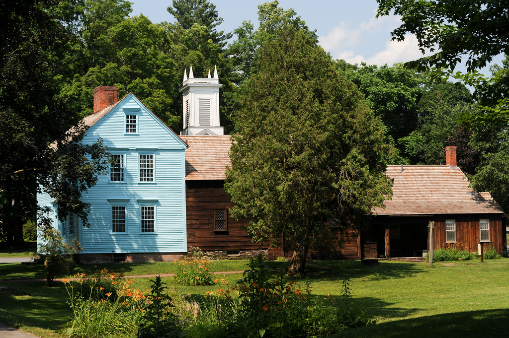 Historic Deerfield buildings, Deerfield, Massachusetts. Photo credit: Massachusetts Office of Tourism and Travel Flickr page: https://www.flickr.com/photos/masstravel/sets/72157629905622301