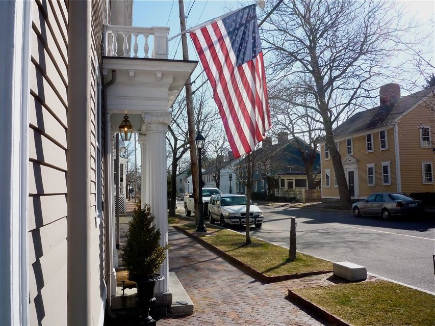 Pciture of Wickford RI - Residential Street