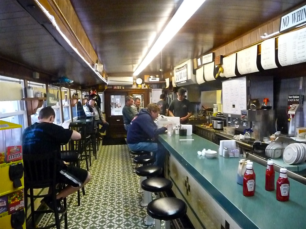 Calr's Oxford Diner in Oxford, Mass.