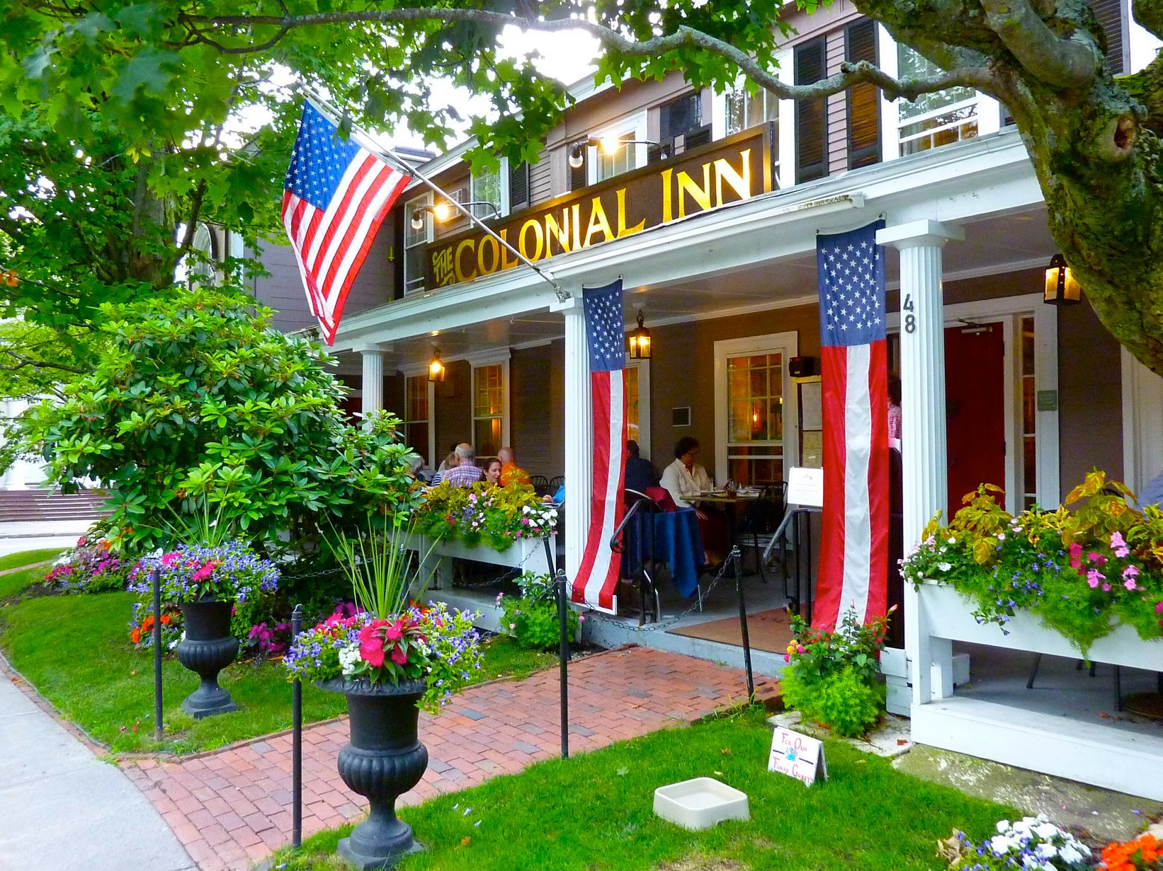 Love eating and lodging in a historical setting? This is your place in Massachusetts...
