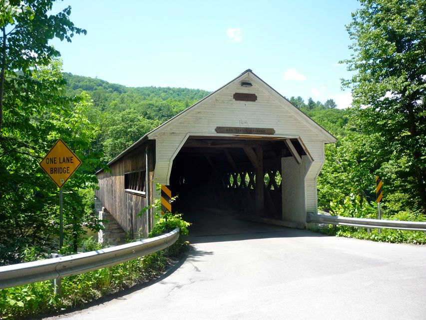 Picture of covered bridge in Dummerston, Maine