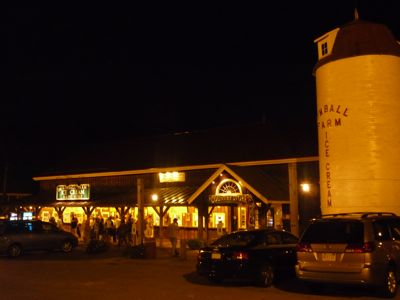 Picture of Kimball Farm ice cream stand at night