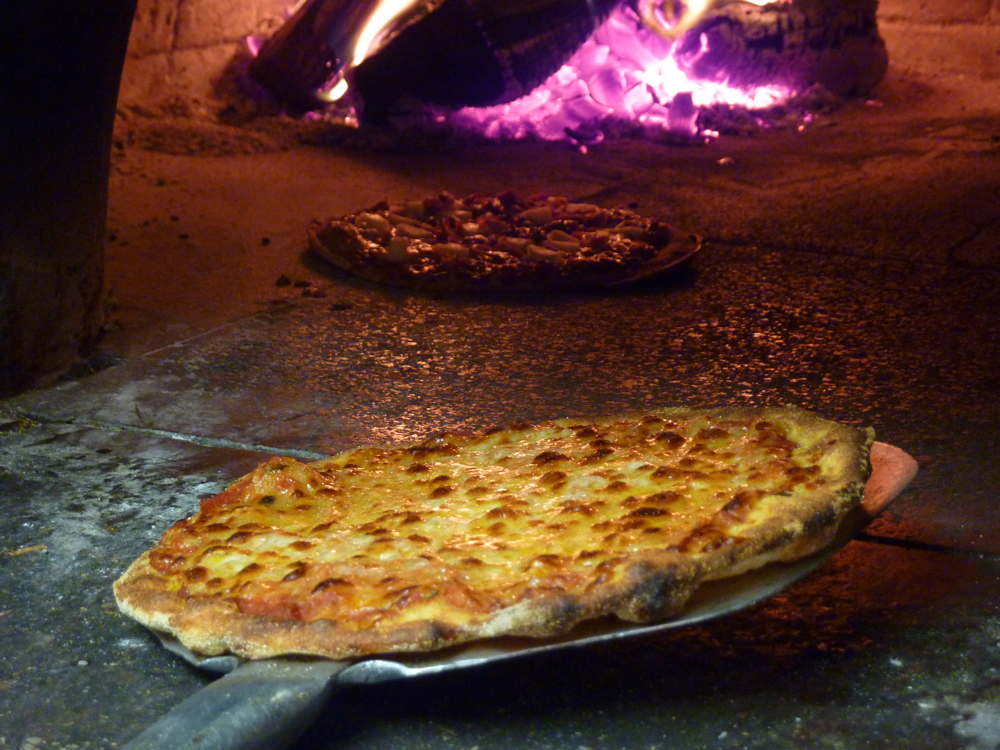 New England pizza restaurant stories: Kindles Pizzeria in Marlborough, Mass.