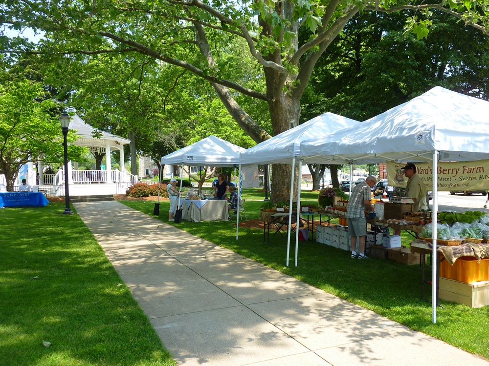 Norwood Farmers Market on the Common in Norwood MA