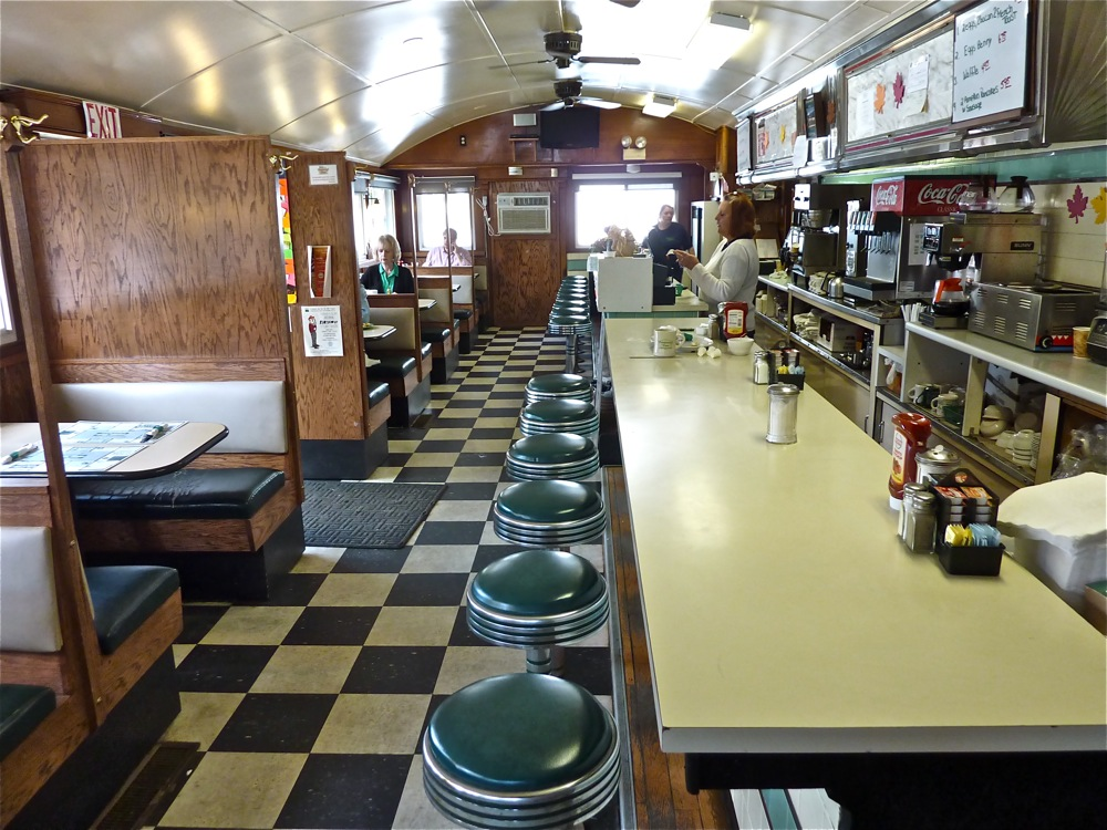 Peterborough Diner, Peterborough NH. Doesn't it look so warm and inviting?