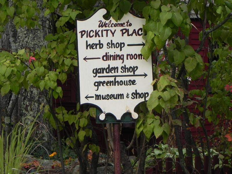 Pickity Place sign, Mason, New Hampshire