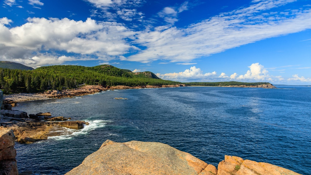 Scenic drive at Acadia National Park, Maine