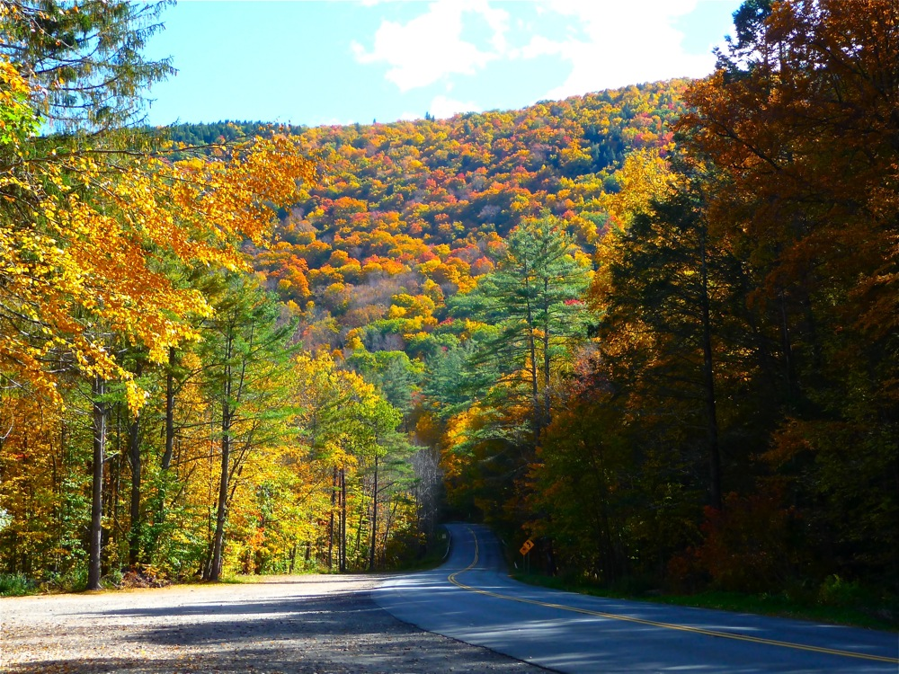 Scenic New England drive along the Mohawk Trail in western Massachusetts