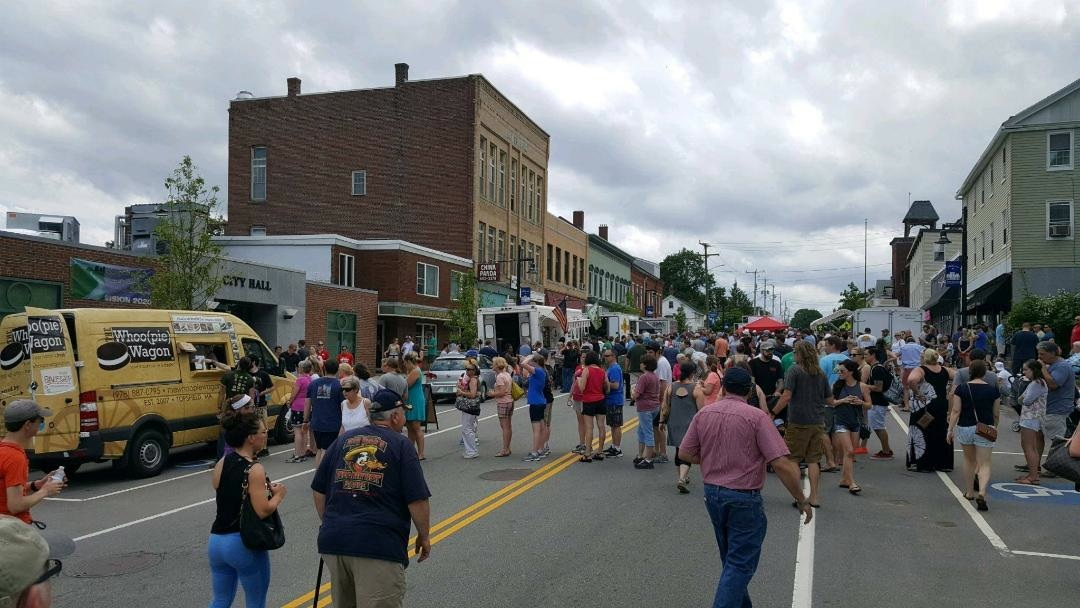 The Whoo(pie) Wagon truck arrives in downtown Somersworth NH